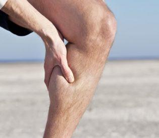 Evo šta uzrokuje grčeve u nogama