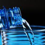 Evo ZAŠTO ni po VRUĆINAMA ne treba da PIJETE vodu DIREKTNO sa česme!
