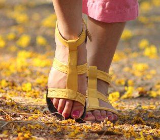 Pomozite sebi ukoliko imate problem sa teškim nogama i proširenim venama- Saveti