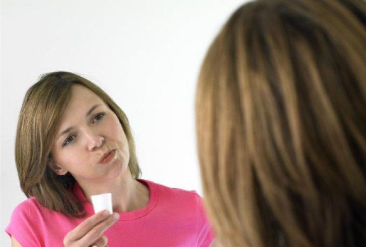 sredstvo-za-ispiranje-usta-zubi-1396639812-473881